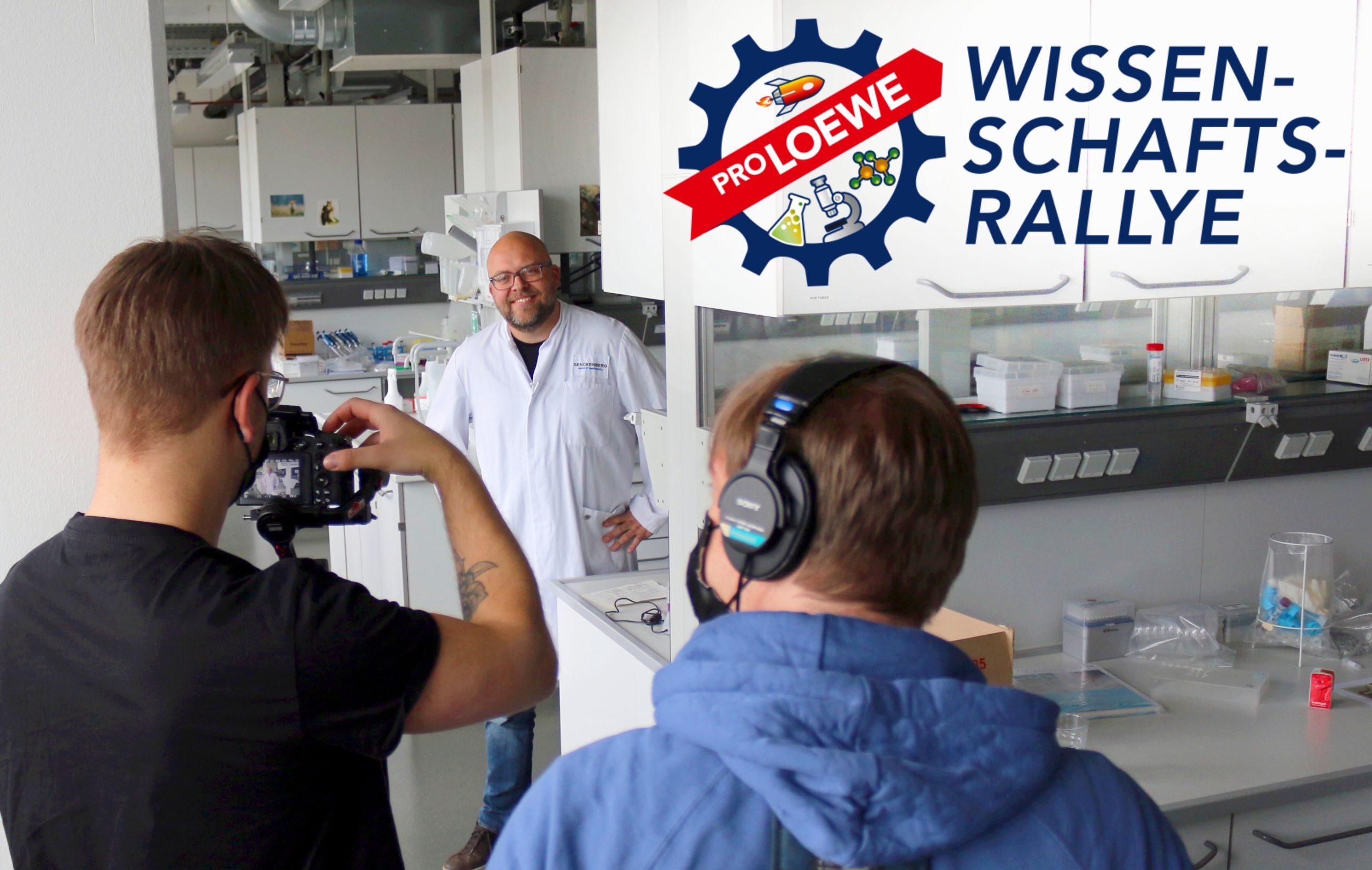Dr. Carsten Nowak beim Filmdreh für die ProLOEWE Wissenschaftsrallye (Foto: Eva Diehl / Senckenberg))